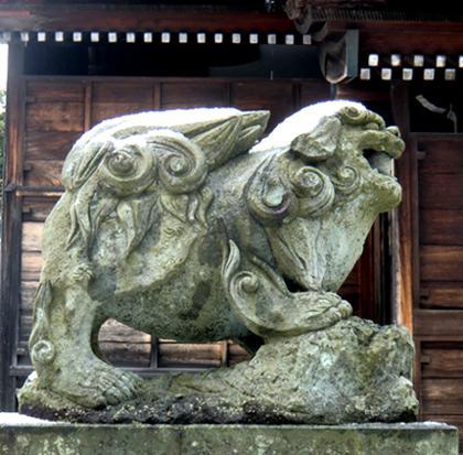 須天神社 金沢市神野町、頭が小さくアンバランス、